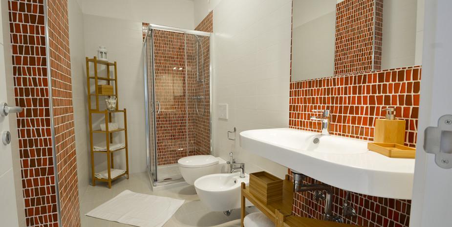 bagno appartamento ponente – appartamenti Hypogeum otranto